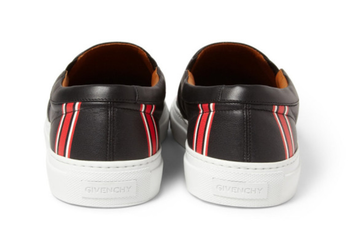 givenchy-star-print-leather-sneaker-03