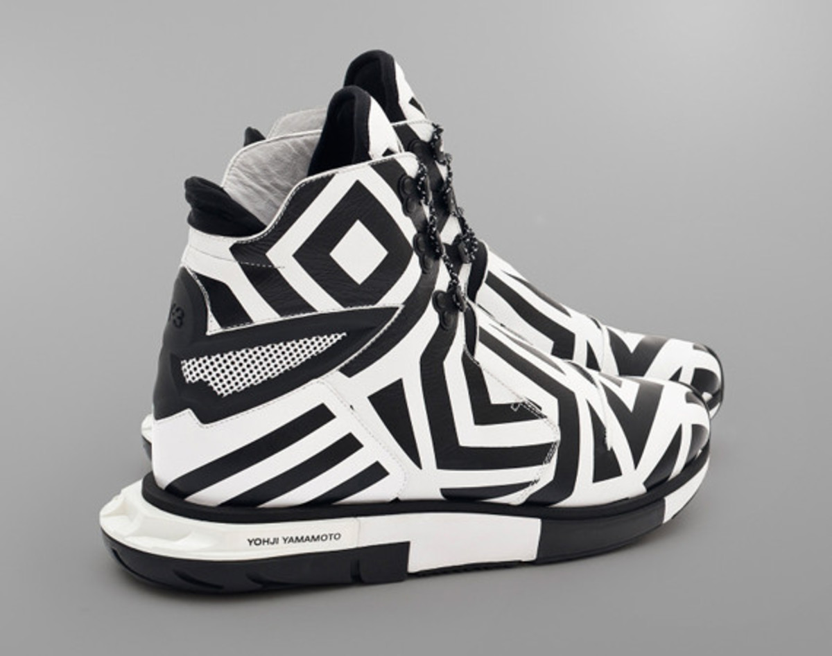 y-3-hayex-high-zebra-01
