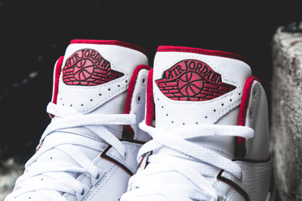 air-jordan-2-white-red-03