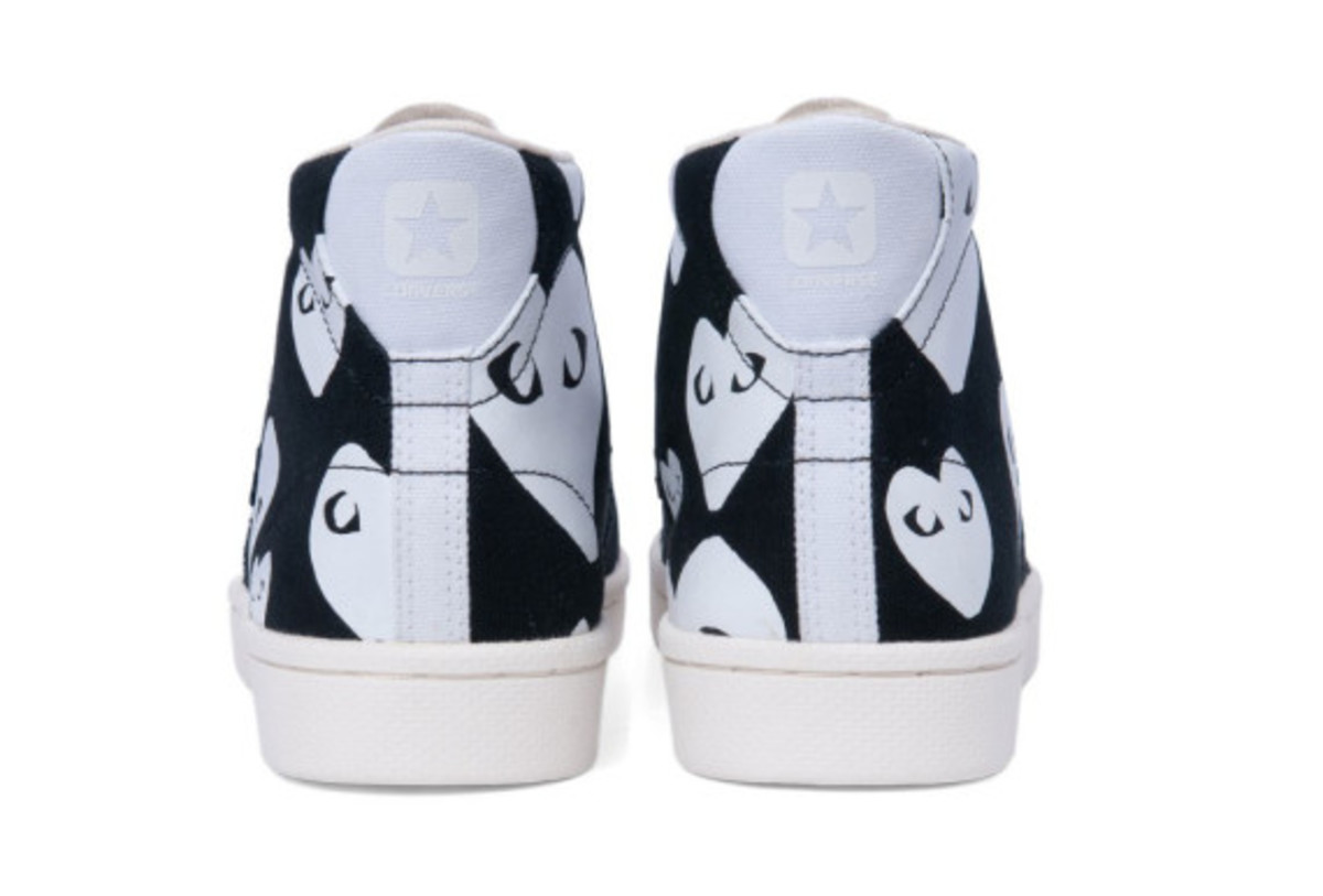 comme-des-garcons-play-converse-pro-leather-collection-07