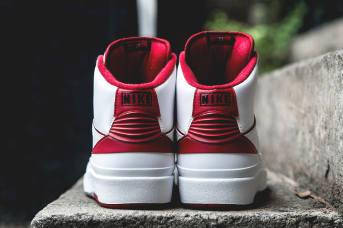 air-jordan-2-white-red-05