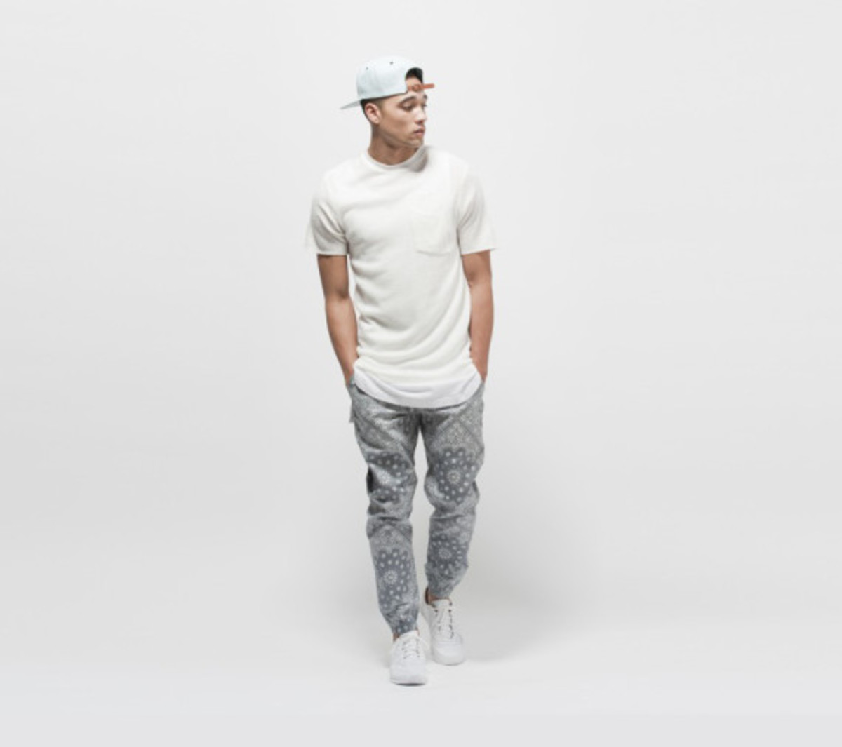 publish-brand-novelty-jogger-collection-08