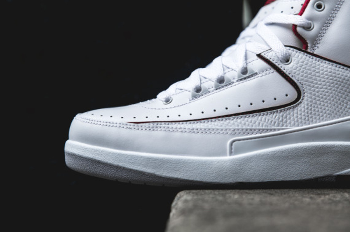 air-jordan-2-white-red-02