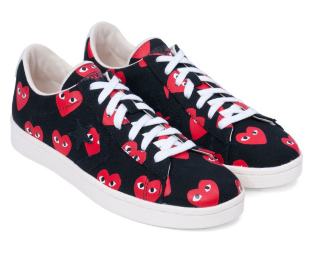 comme-des-garcons-play-converse-pro-leather-collection-12
