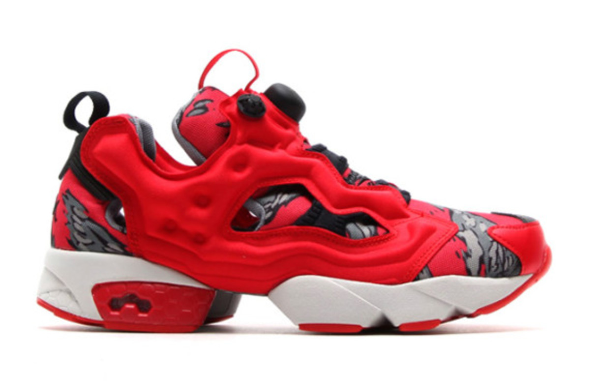 stash x reebok pump 25th anniversary red camo. Black Bedroom Furniture Sets. Home Design Ideas