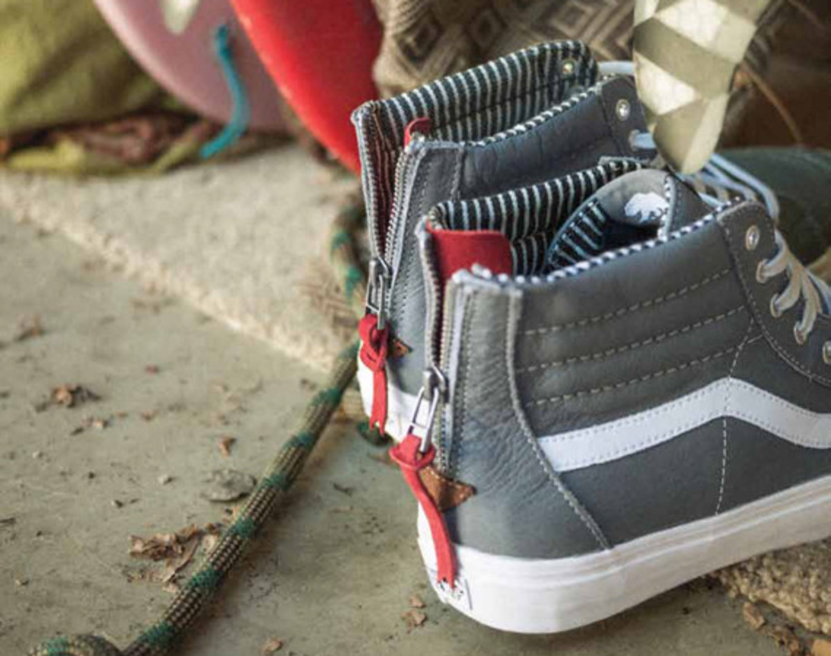 vans-california-collection-sk8-hi-zip-ca-varsity-stripe-01
