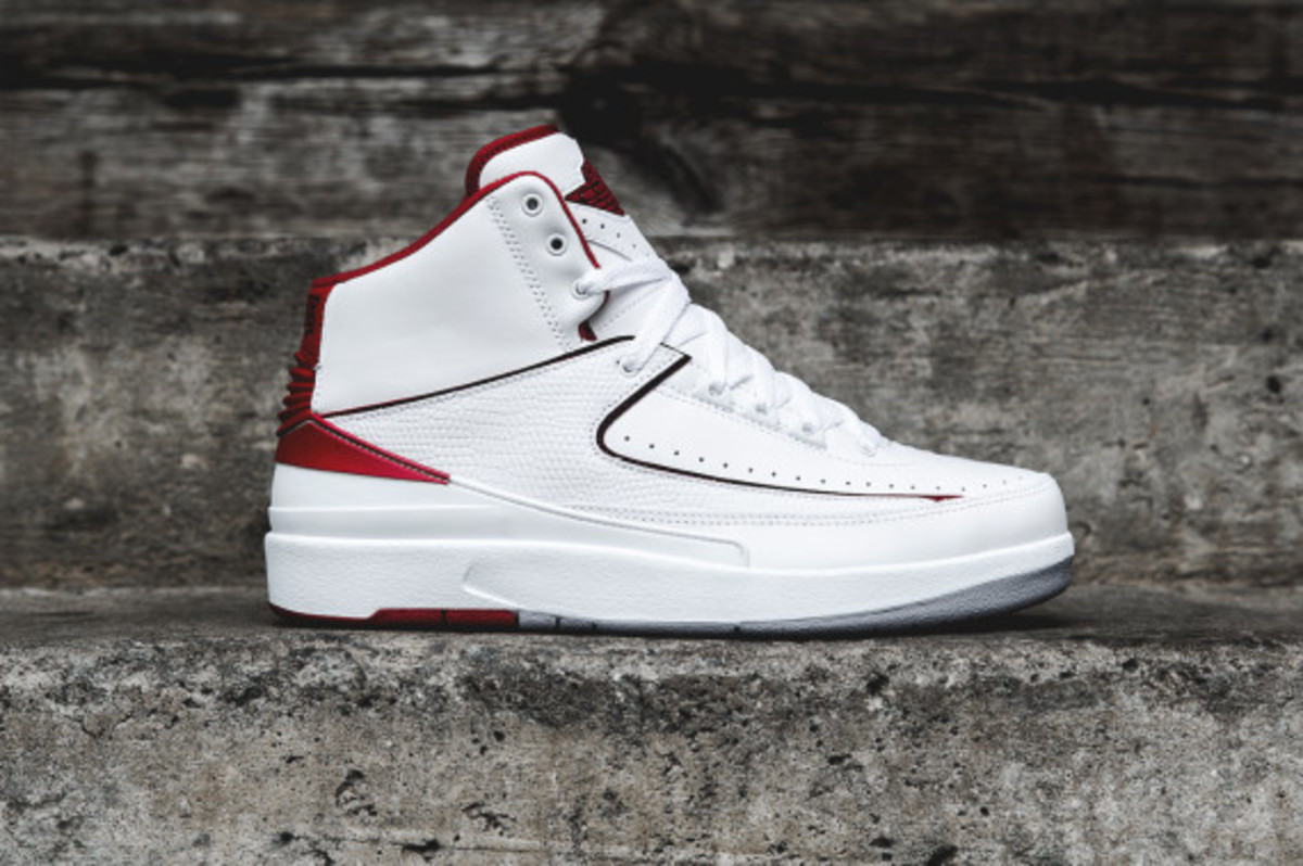 air-jordan-2-white-red-04
