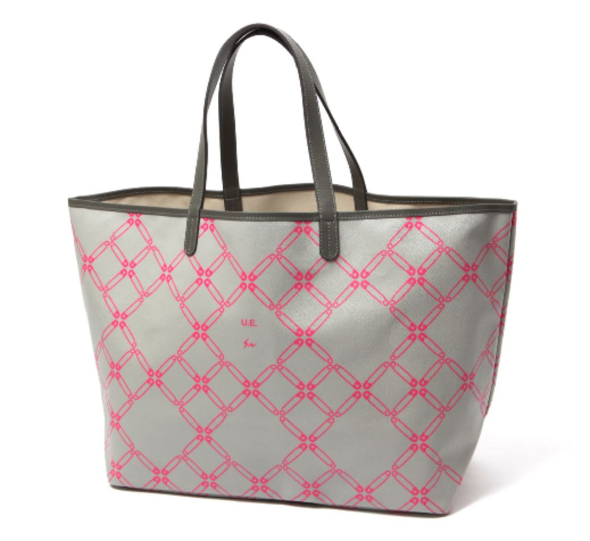 uniform-experiment-chain-link-tote-pink