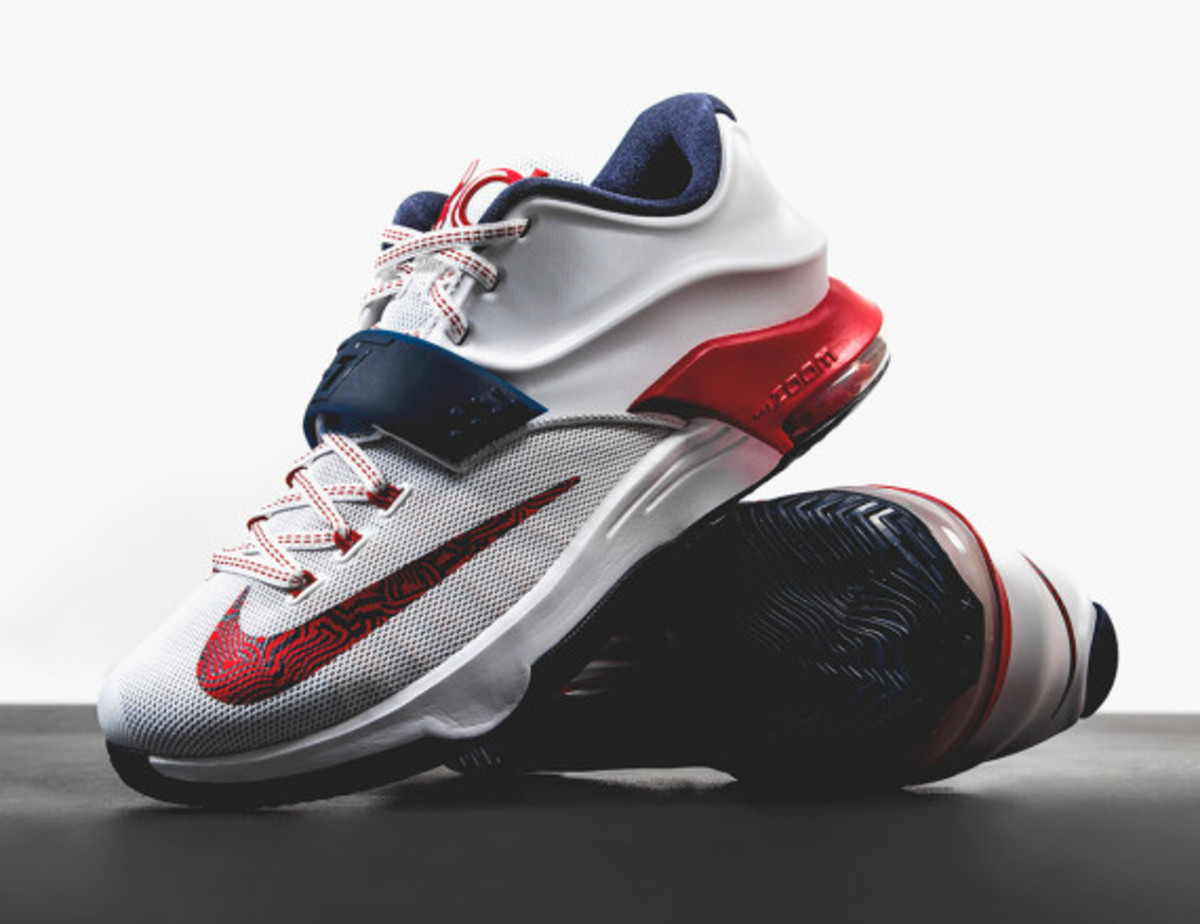 san francisco 0dd18 c3b27 ... leading the Nike KD 7 release later this week will be this patriotic  Red, White and Blue tribute to the 4th of July. It also will be Kevin Durant s  ...