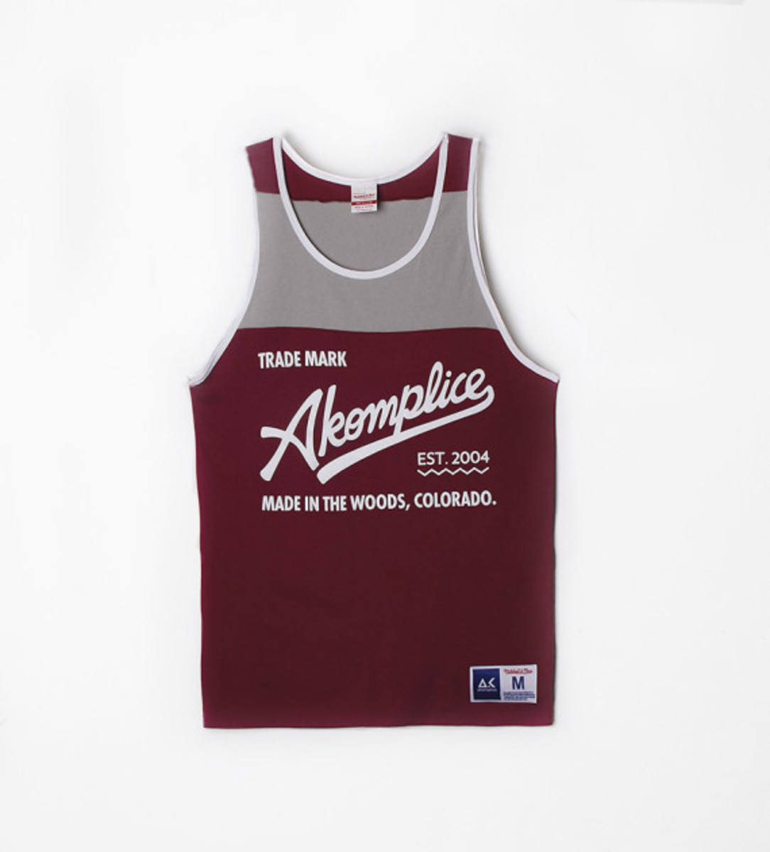 akomplice-mitchell-and-ness-10-year-hiertage-capsule-collection-02