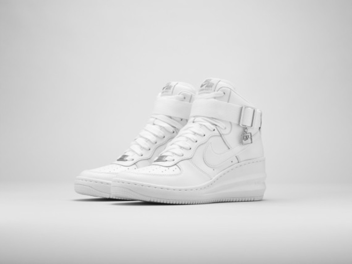 nike-sportswear-womens-air-force-1-collection-10