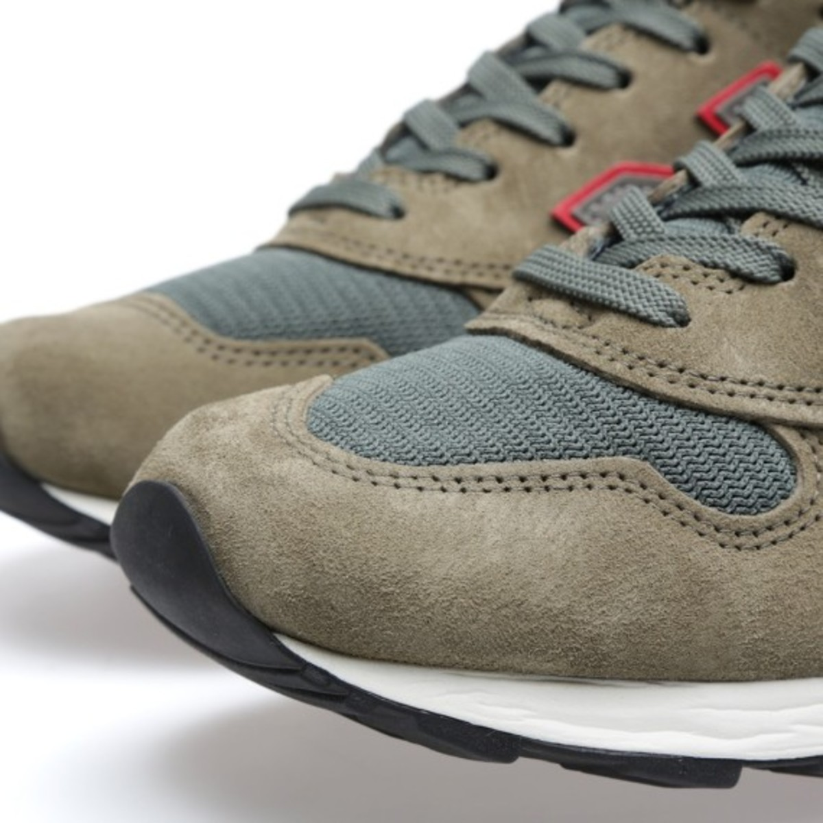new-balance-m1400hr-catch-22-e