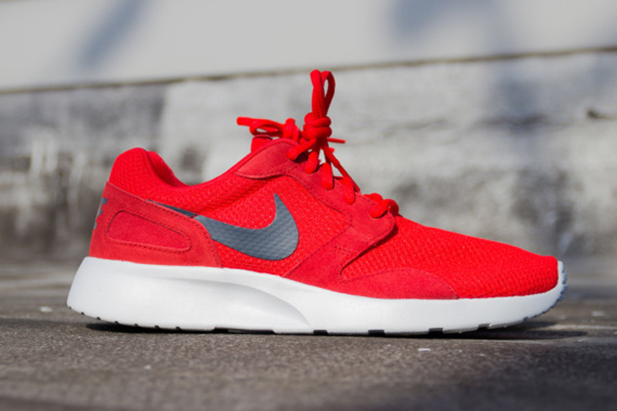 Nike Kaishi Style: 654473-600 Color: Chilling Red/Dark Magnet Grey-Pure Platinum