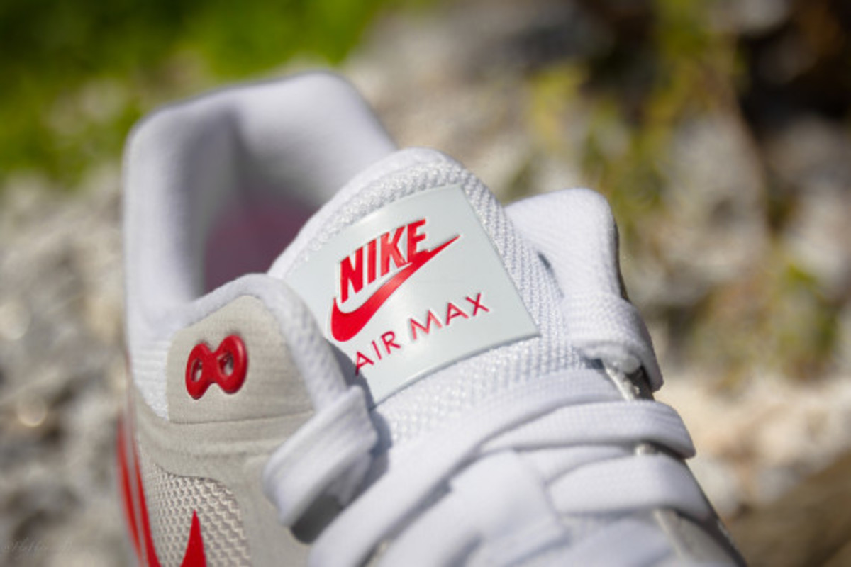 nike-air-max-1-lunar-og-sport-red-03