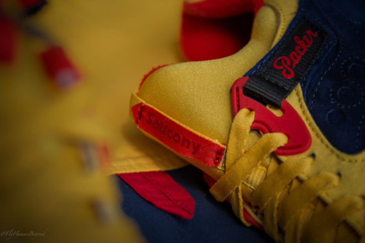 packer-shoes-saucony-grid-9000-snow-beach-release-date-04