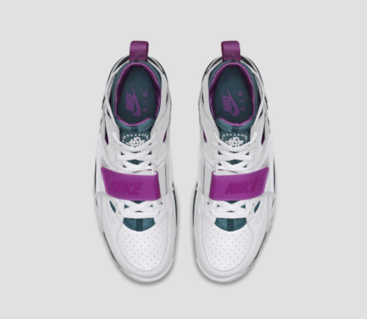 nike-air-trainer-huarache-and-air-flight-huarache-08