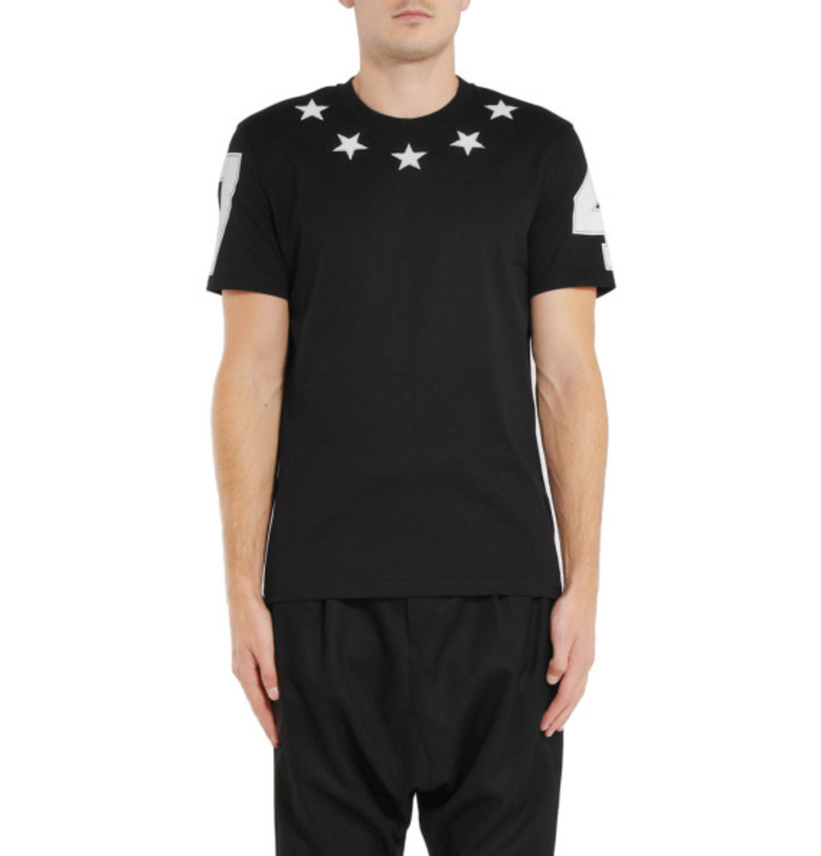 givenchy-cuban-fit-embroidered-star-tee-02