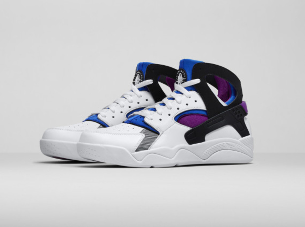 nike-air-trainer-huarache-and-air-flight-huarache-02