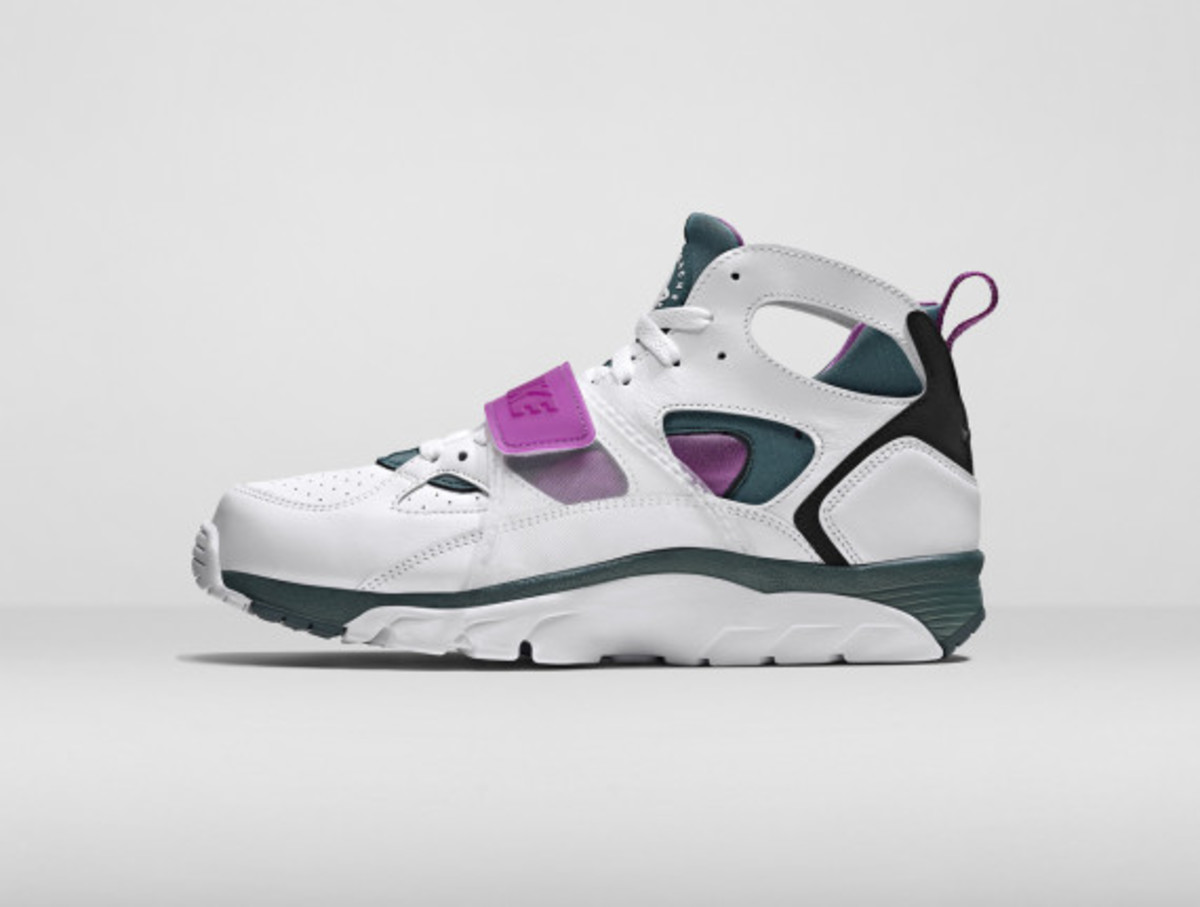 nike-air-trainer-huarache-and-air-flight-huarache-09