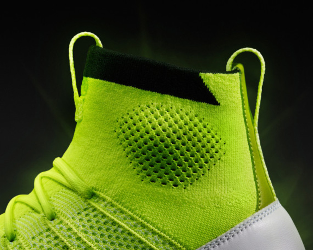 nike-free-mercurial-superfly-htm-volt-06