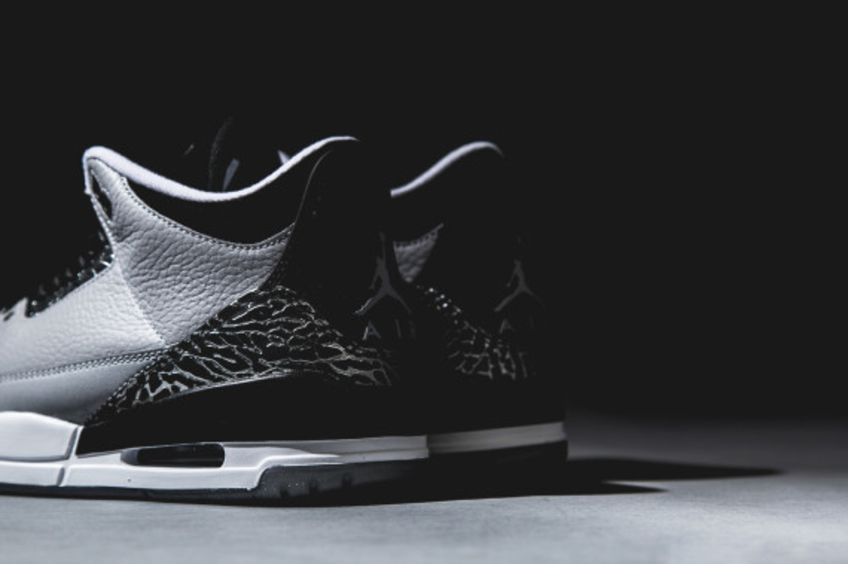 air-jordan-3-wolf-grey-detailed-look-07