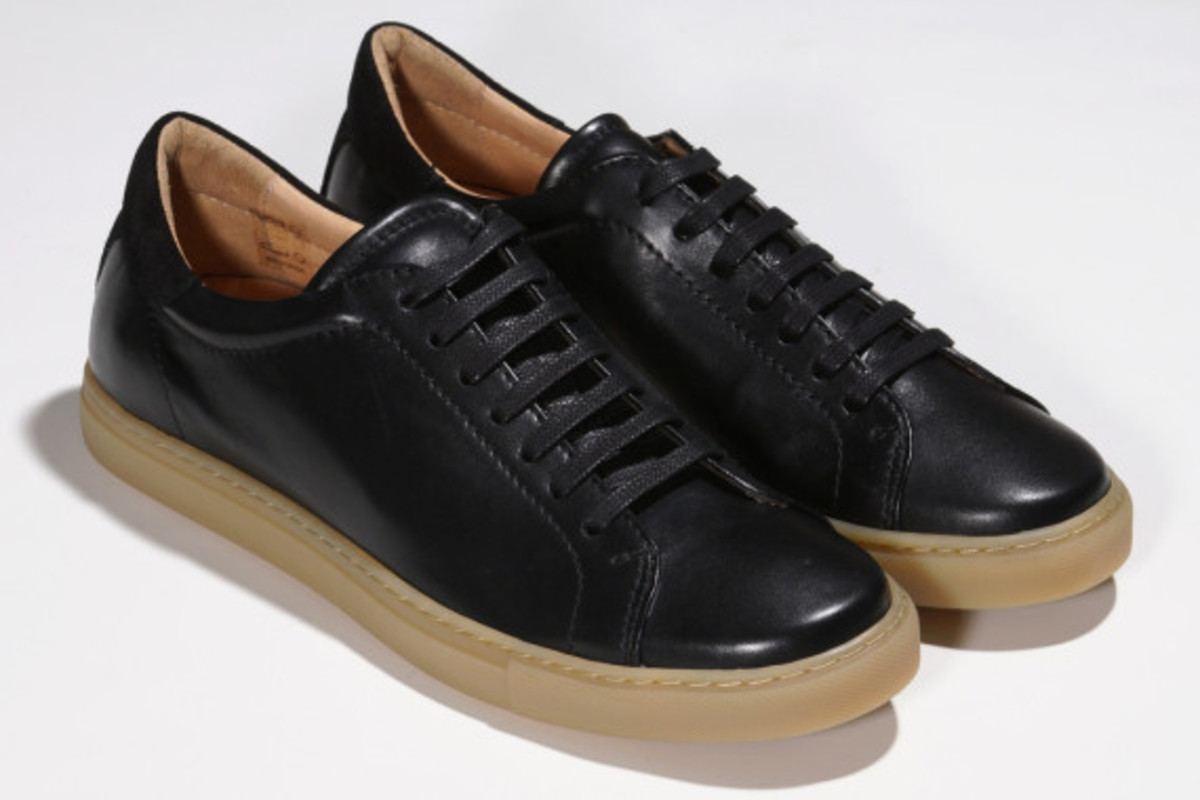 epaulet-tennis-shoe-02