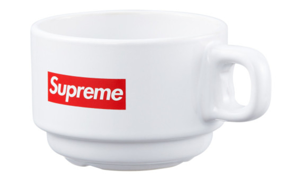 supreme-fall-winter-2014-accessories-and-gear-collection-09