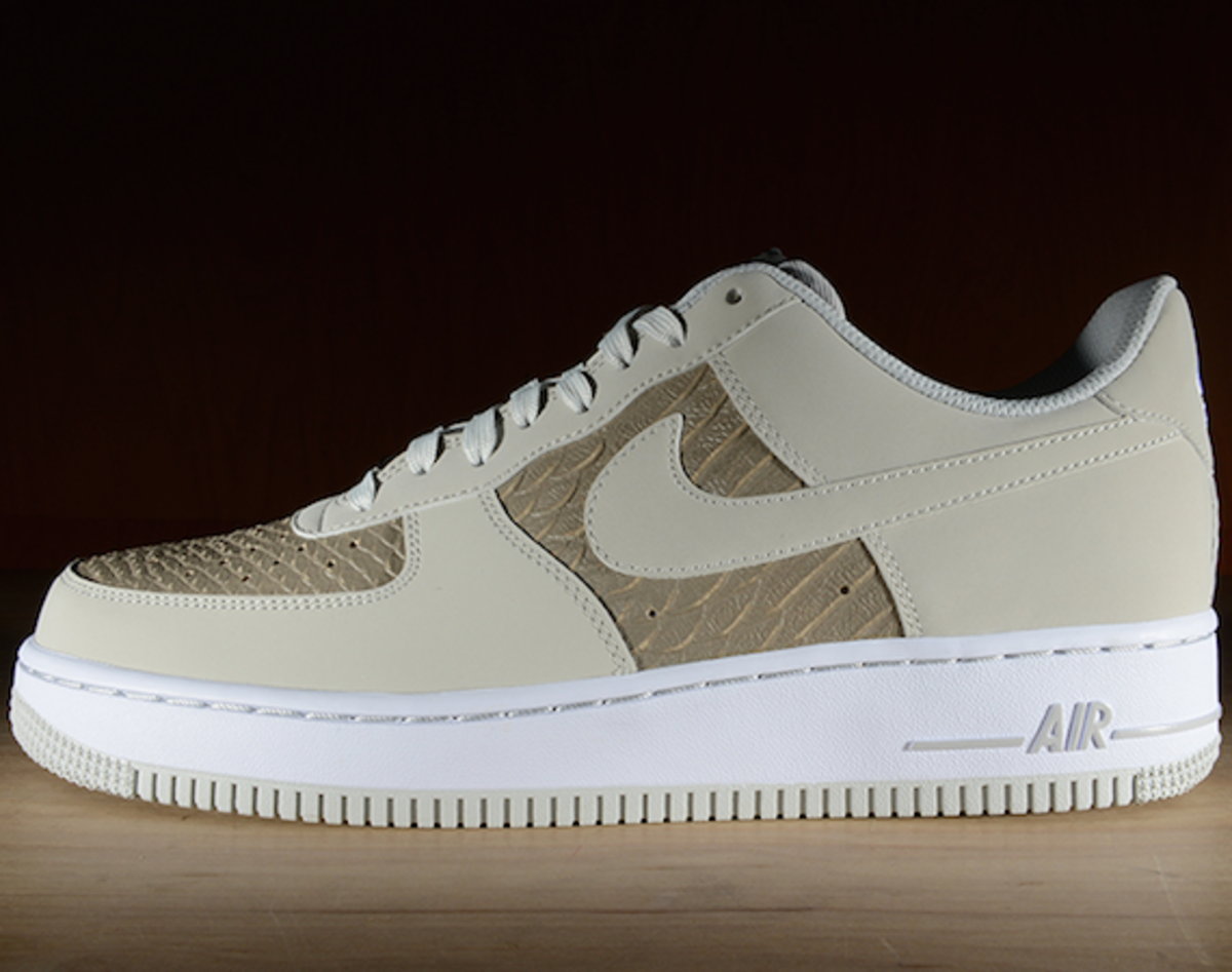 nike-air-force-1-low-light-ash-snakeskin-00