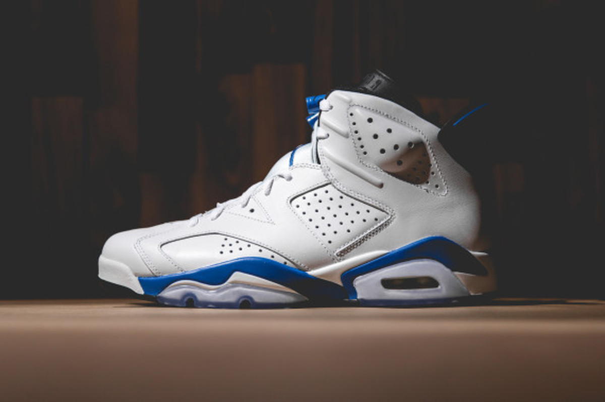 air-jordan-vi-white-sport-blue-02