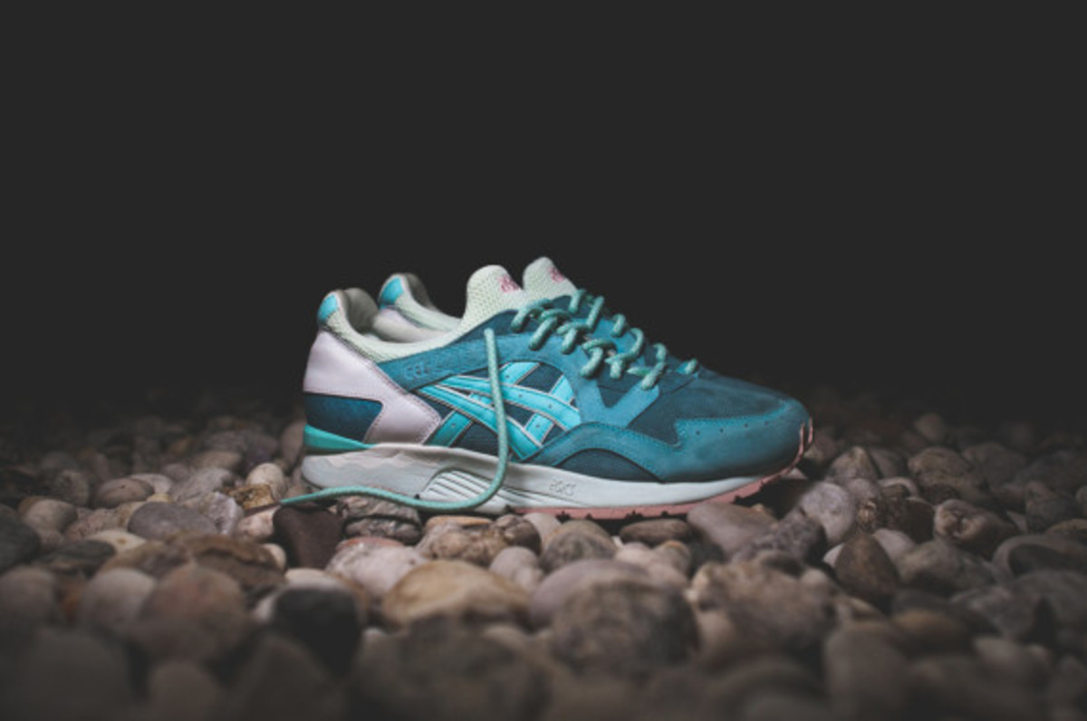 ronnie-fieg-asics-gel-lyte-v-rose-gold-and-sage-07