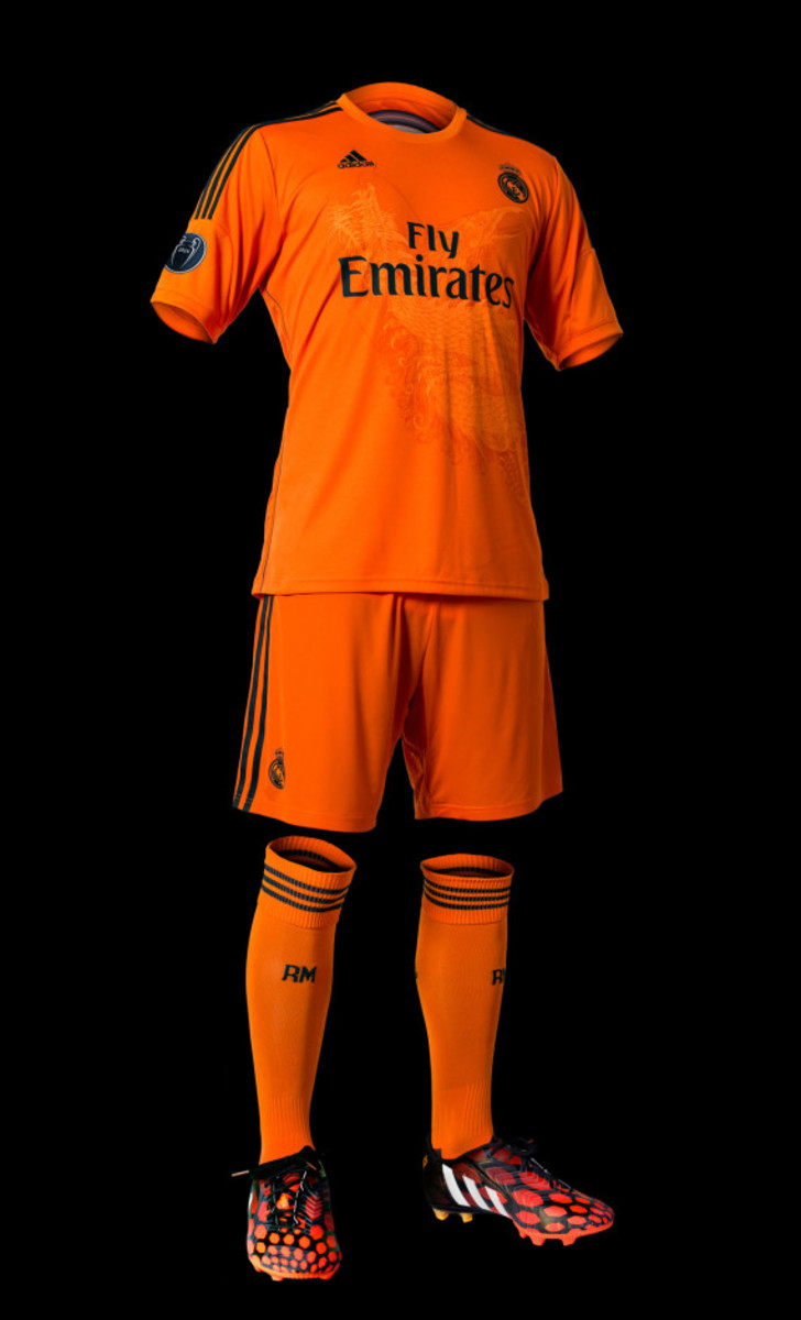 adidas-yamamoto-designed-real-madrid-third-kit-adizero-f50-cleat-05