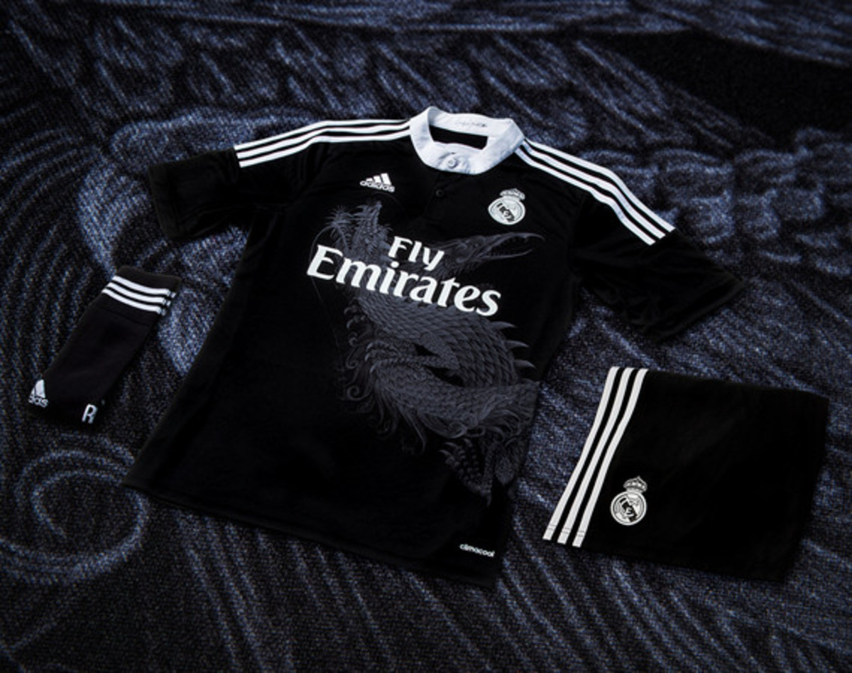 adidas-yamamoto-designed-real-madrid-third-kit-adizero-f50-cleat-01