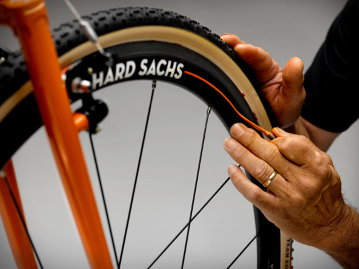 house-industries-richard-sachs-exhibit-at-rapha-cycle-club-nyc-06
