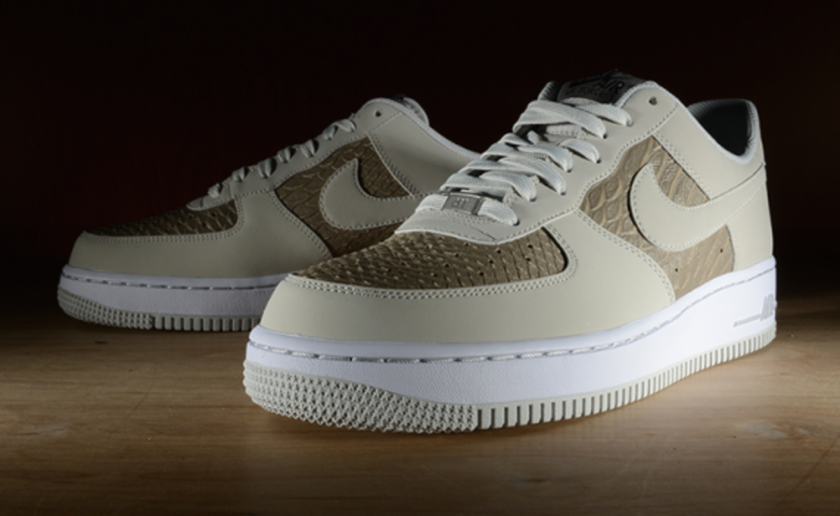 nike-air-force-1-low-light-ash-snakeskin-01