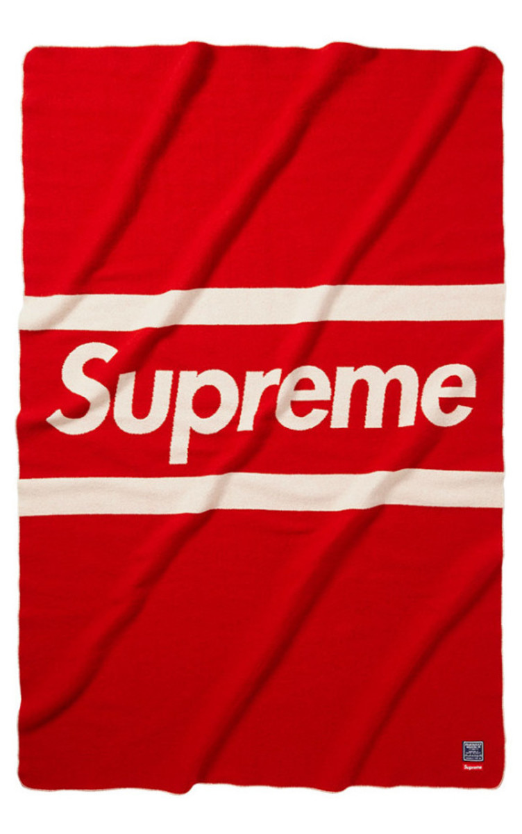 supreme-fall-winter-2014-accessories-and-gear-collection-18