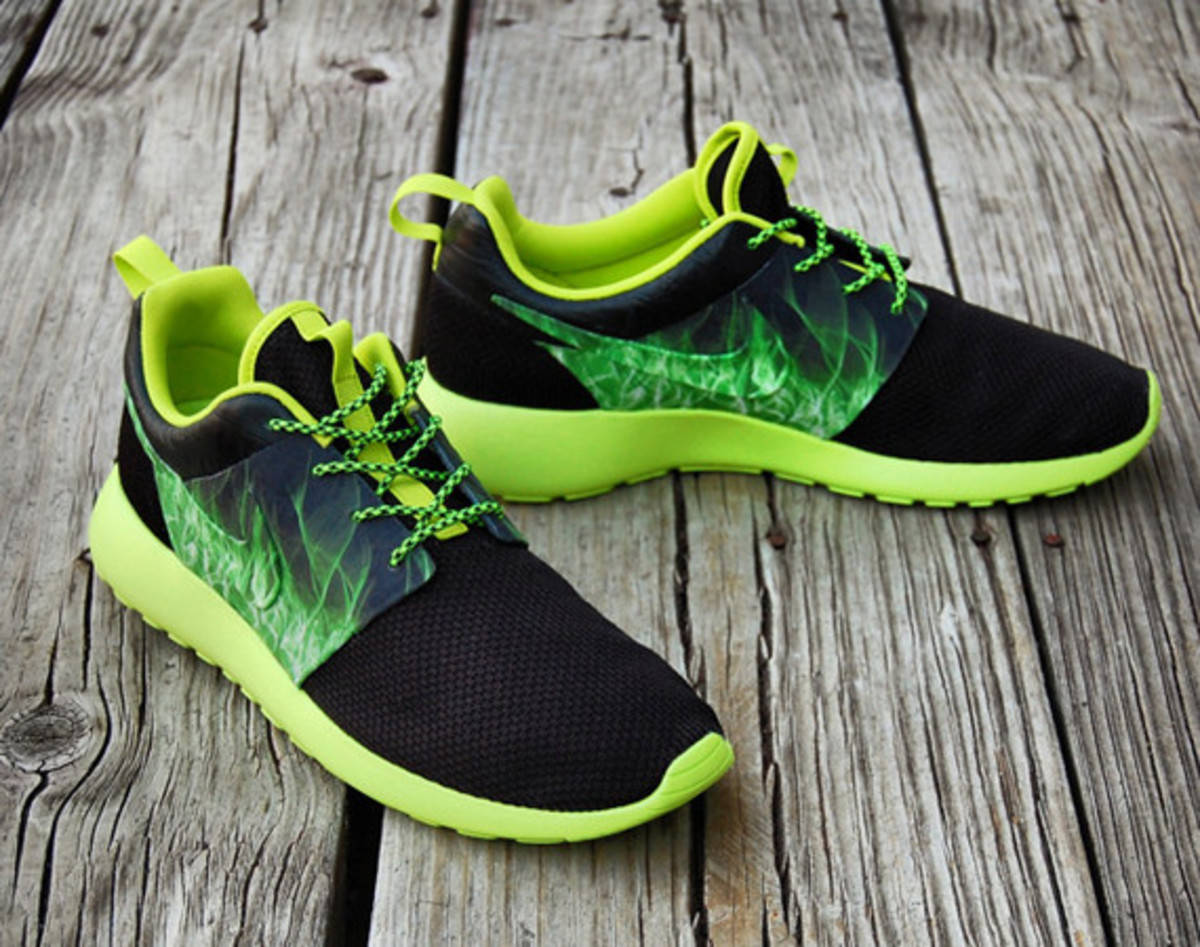 2f237cdac1375 nike roshe run paranorman custom