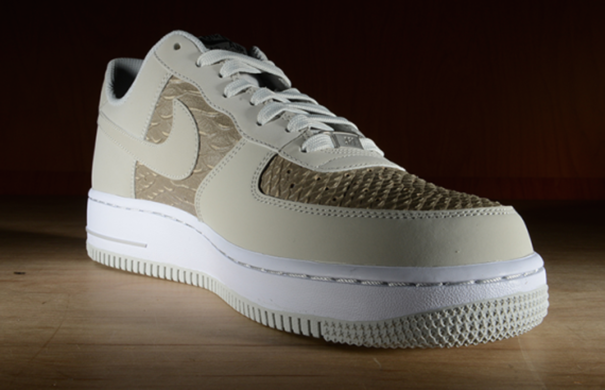 nike-air-force-1-low-light-ash-snakeskin-04