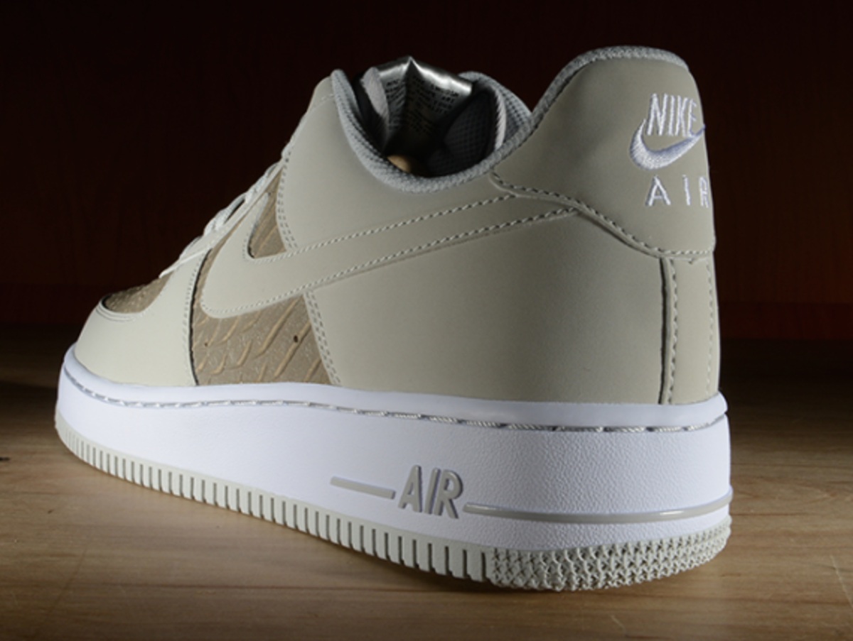 nike-air-force-1-low-light-ash-snakeskin-06
