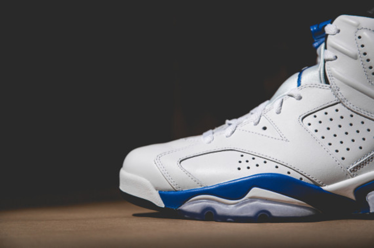 air-jordan-vi-white-sport-blue-04