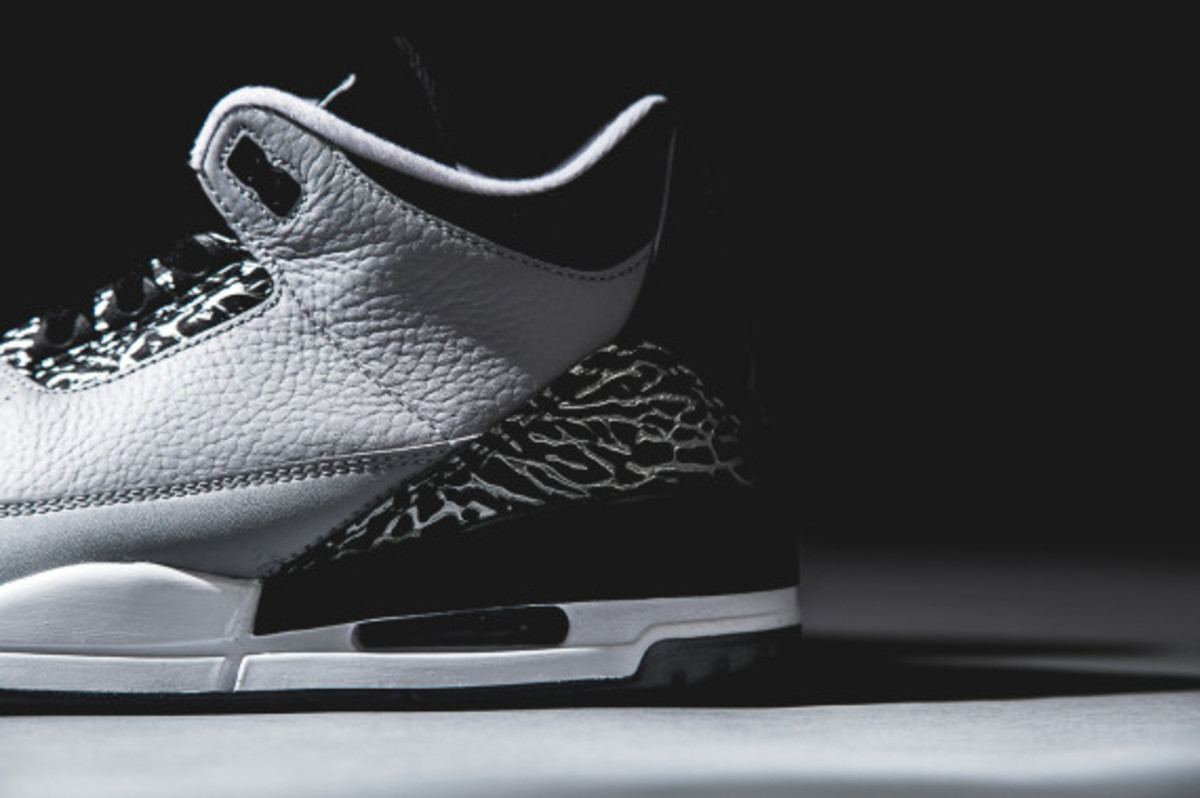 air-jordan-3-wolf-grey-detailed-look-04