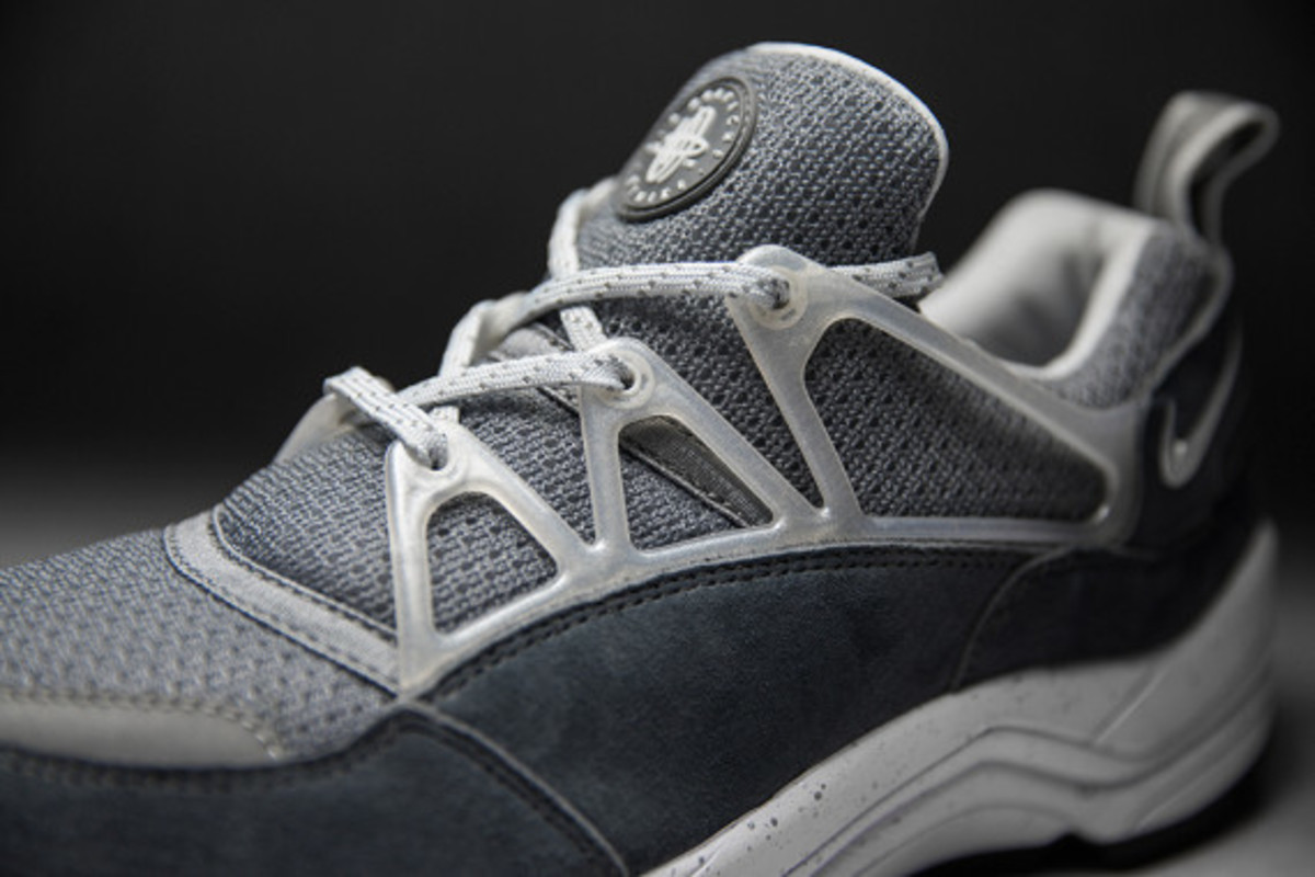 footpatrol-nike-air-huarache-light-concrete-04