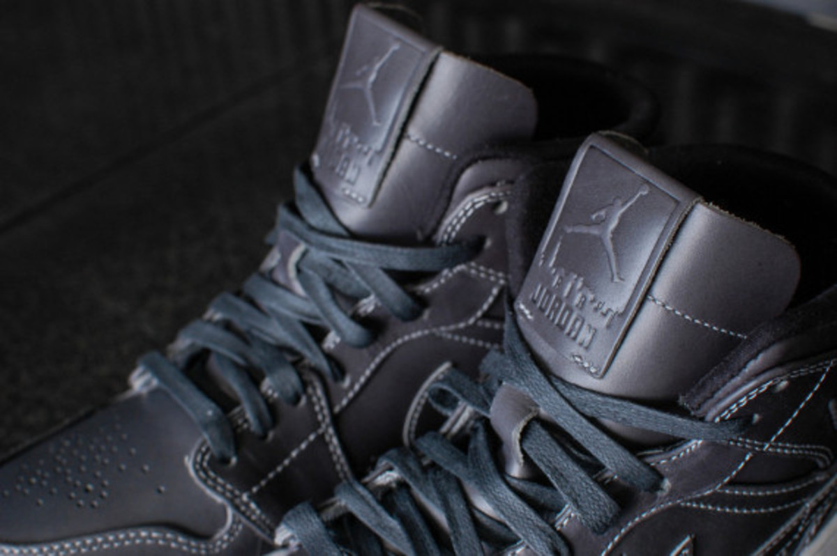 air-jordan-1-mid-nouveau-wolf-grey-04