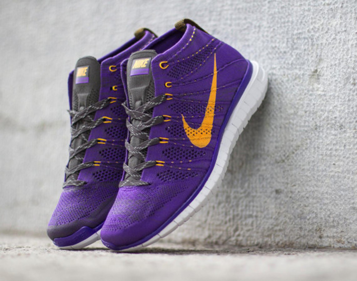 nike-free-flyknit-chukka-hyper-grape-01
