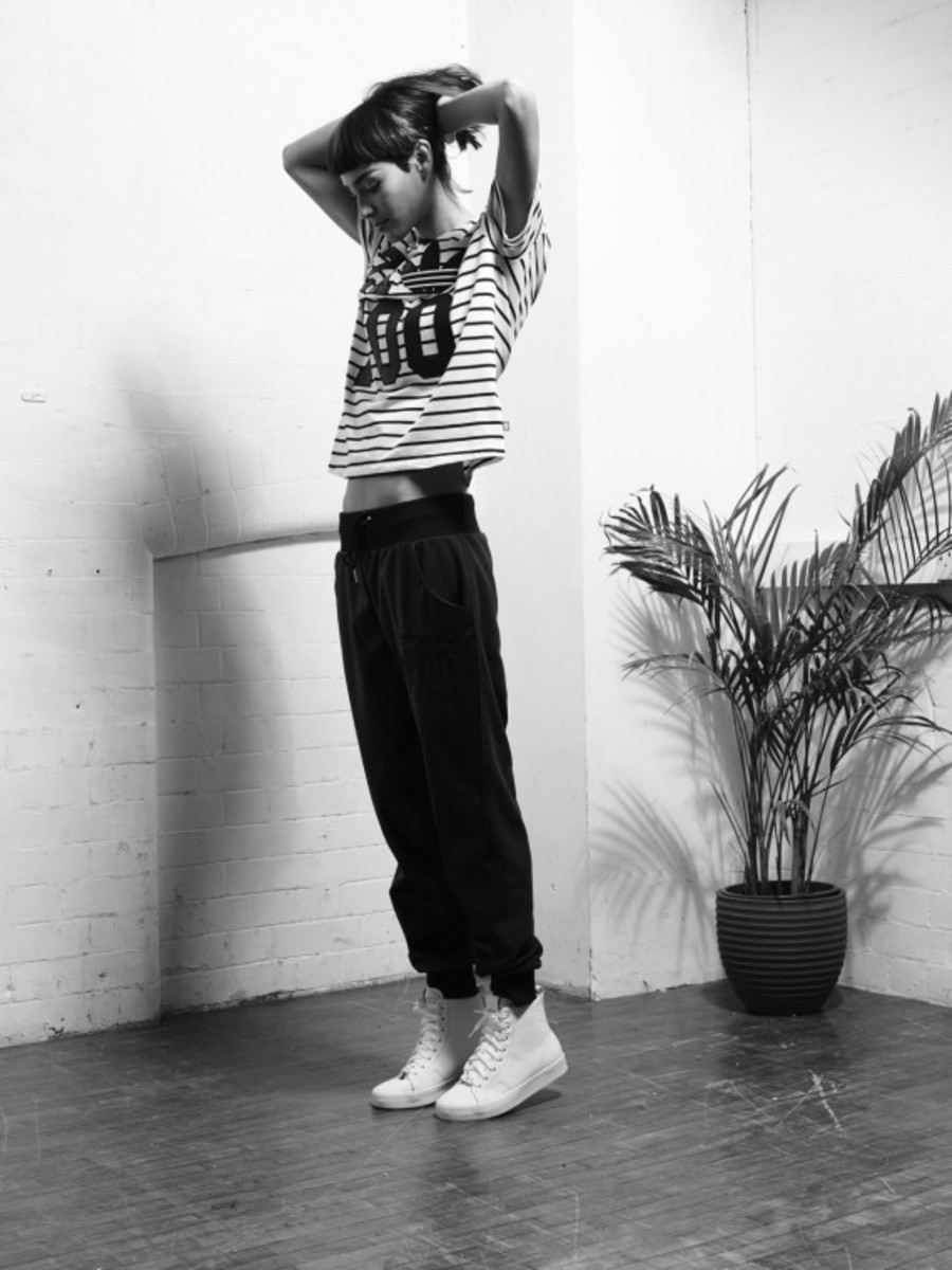 adidas-originals-womens-stripes-and-leather-capsule-collection-02