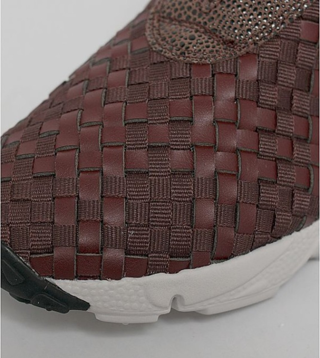 nike-air-footscape-woven-desert-chukka-brown-leather-03