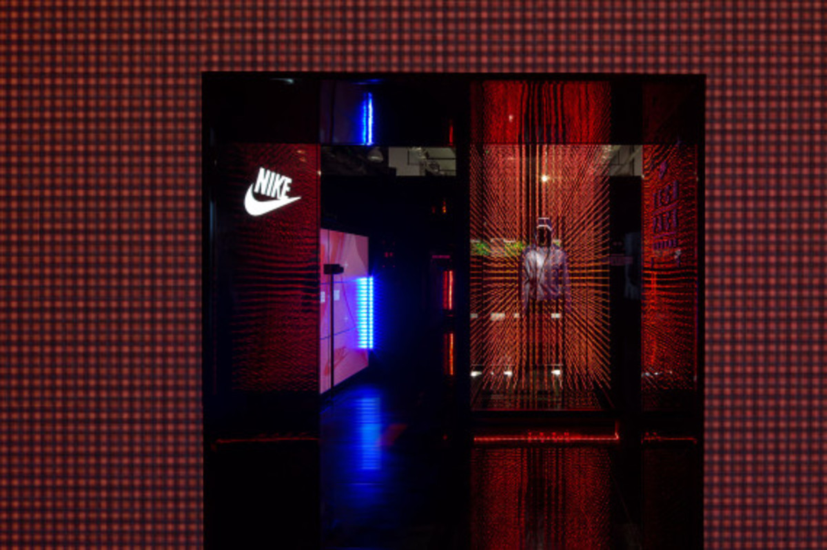 nike-tech-pack-retail-experience-booth-shanghai-20
