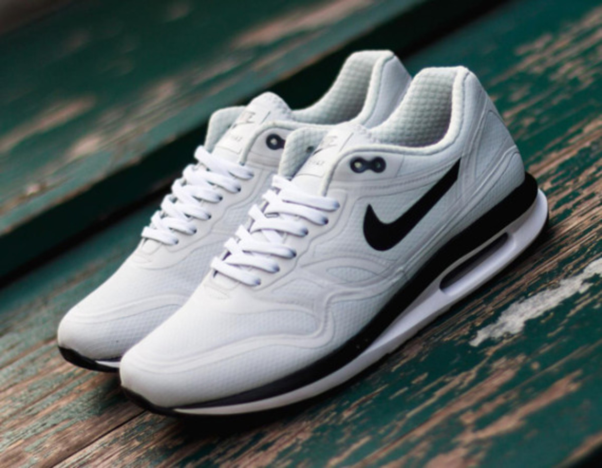 nike air max lunar 1 wr pure platinum freshness mag. Black Bedroom Furniture Sets. Home Design Ideas