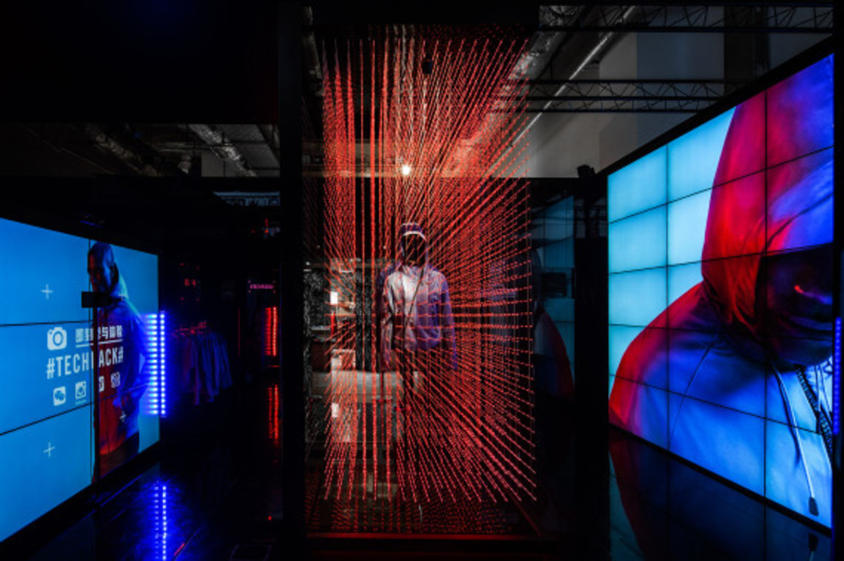 nike-tech-pack-retail-experience-booth-shanghai-18