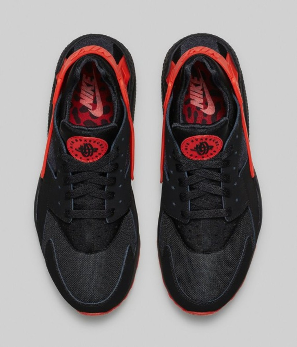 nike-huarache-black-red-02