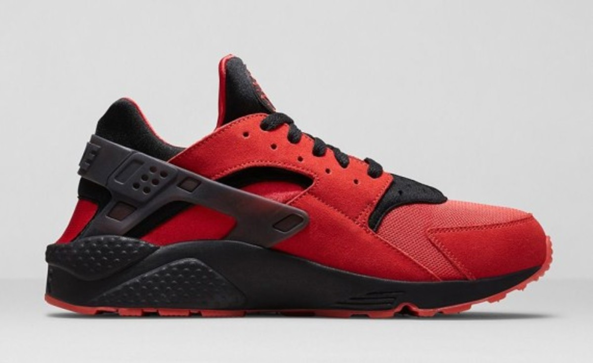 nike-huarache-red-black-05